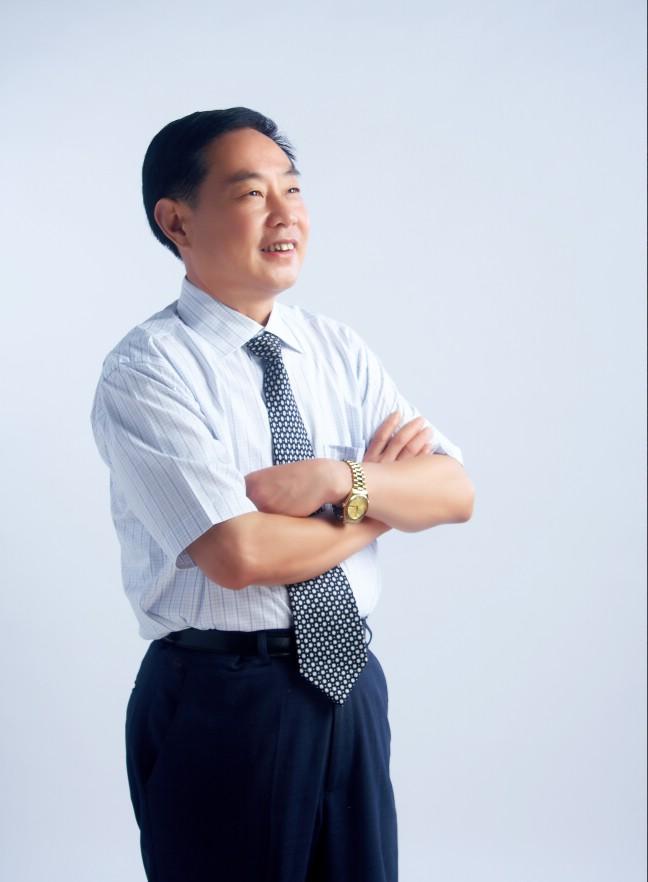 上墅教育集团董事长、校长汤有祥